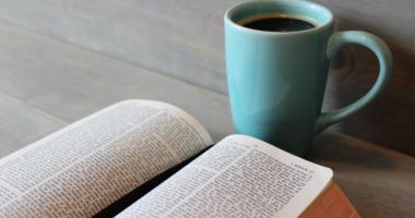 本、カップ、コーヒー