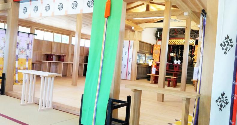八坂神社 拝殿 畳 木造
