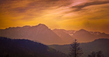 夕焼け、朝焼け、山
