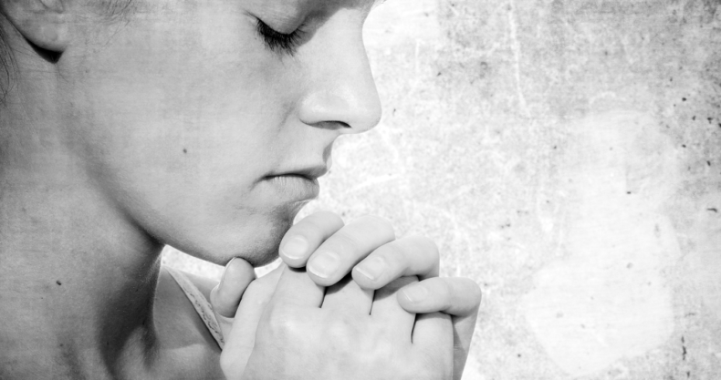 祈り、女性