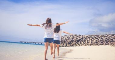 砂浜、女性、空