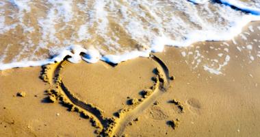 砂浜、波、ハート