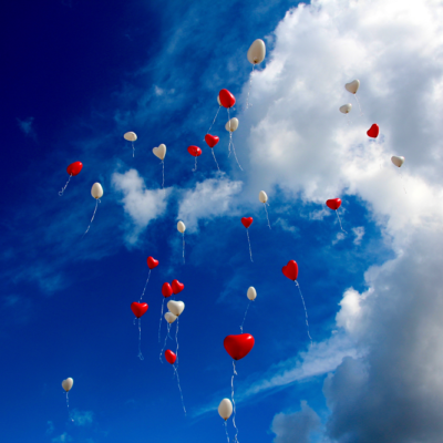 空、雲、風船