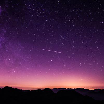 空、星、紫色