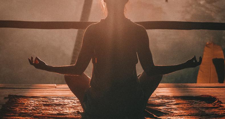 瞑想、ヨガ、光