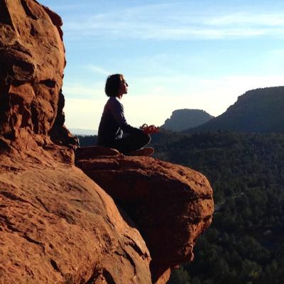 崖、女性、瞑想