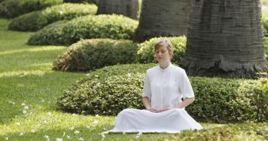 瞑想、女性、庭