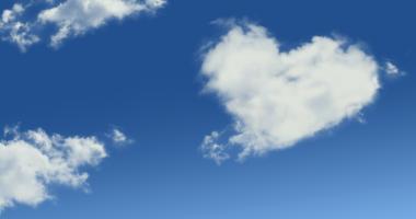 空、雲、ハートの形